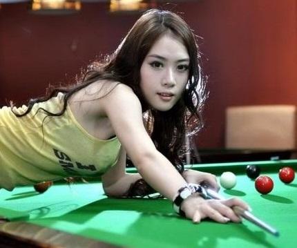 Feng a Hong Kong Girl play pool (Medium)